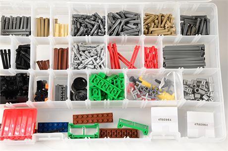 Lego Pieces (653 Pieces)