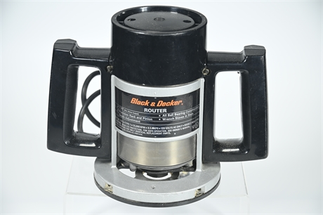 """Black and Decker 1""""-1 1/2"""" Router"""