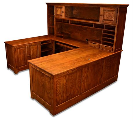 Executive Oak Panel Desk with Return and Hutch