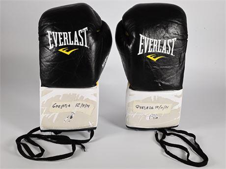 Trout vs. Grajeda, Luis Grajeda Boxing Gloves