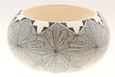 Acoma Pueblo Fine Line Pottery