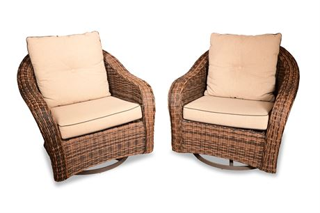 Contemporary Wicker Patio Lounge Chairs