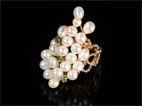 10k Emerald and Seed Pearl Ring