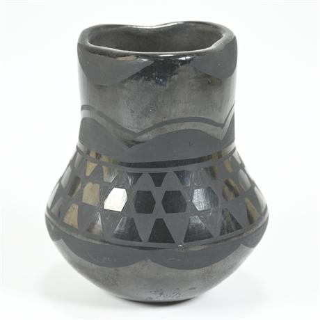 Vintage Santo Domingo Pueblo Vase