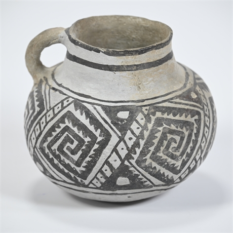Mimbres Pot with Handle