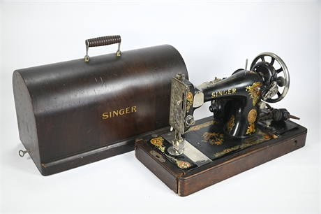 1910 Singer Sewing Machine with Key