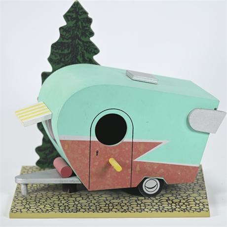 Retro Travel Trailer Style Birdhouse