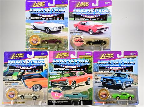 (5) Johnny Lightning Muscle Cars